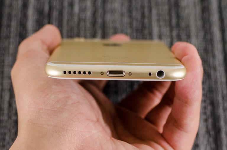 Πώς μπορώ να καθαρίσω το μικρόφωνο στο iPhone;